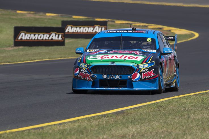 Mostert sets pace, Whincup dismisses early form