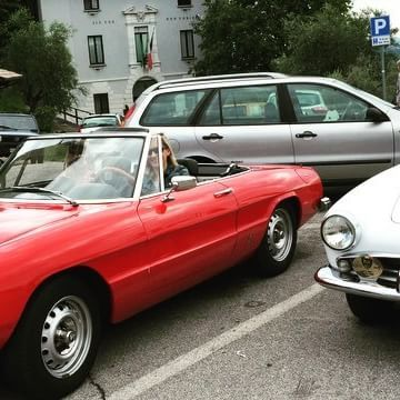 Incentive Event on Lake Garda 😍 #slowdrive #vintagecarrental #vintagecar #classiccar #car #luxurycars #luxury #lovecars #carlove #carstagram #instacar #alfaromeo  #fiat #mga #mg #vw #beetle #triumph #karmann #giulietta  #instagarda #instalake #gardalake #lakegarda #vintagetour #teambuilding #event #travel #travelgram#beautiful ❤️