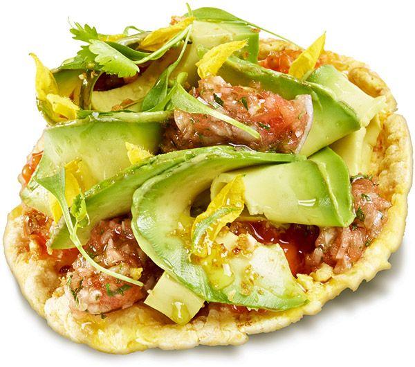 Tortitas de maíz con ensalada de guacamole, de Jordi Cruz