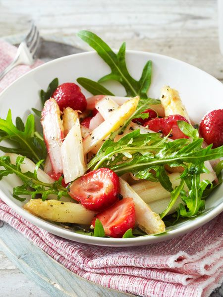 Die perfekte Kombi aus Spargel und Erdbeeren
