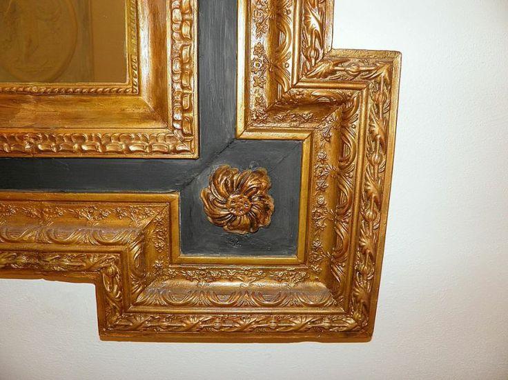 Cornice Specchio dorato Classica specchiera in gesso dorata e patinata ...