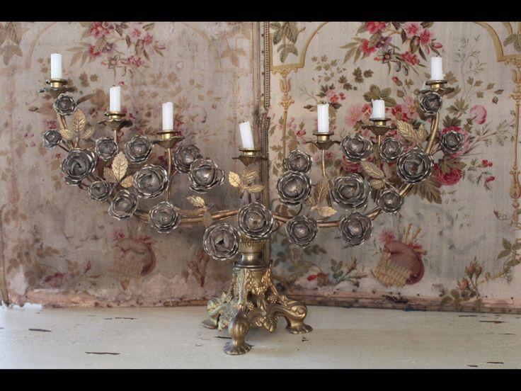 Antieke Franse bronzen kandelaar afgewerkt met rozen door BaronesseTreasures op Etsy