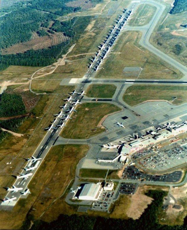 Aerei atterrati in attesa di ordini - 11 settembre 2001