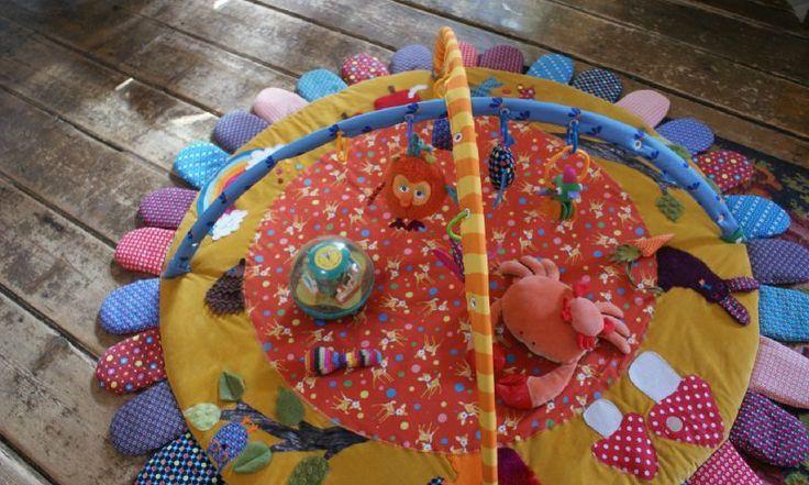 Couture : Idées pour fabriquer un tapis d'éveil...