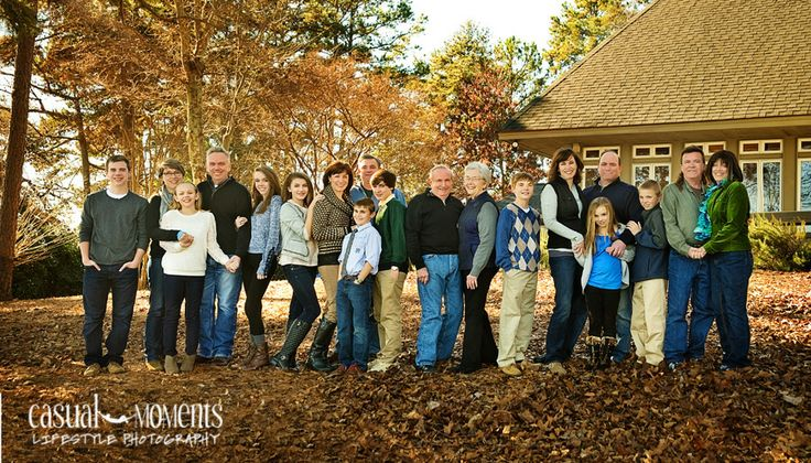 extended-family-photo on Lake Keowee SC by Casual Moments Photography