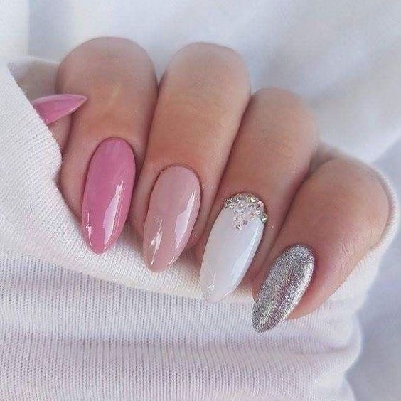 Elegant and Glamorous Wedding Nail Art Designs For Brides – Page 11 of 22   – Manikűr