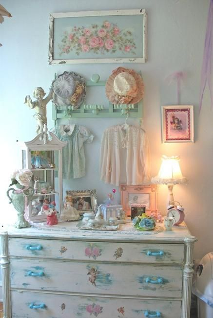 Best 25 Modern Shabby Chic Ideas On Pinterest Chic Living Room Shabby Chic Apartment And