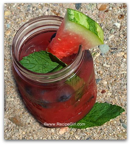 Watermelon tequila cocktail - so pretty for 4th of July