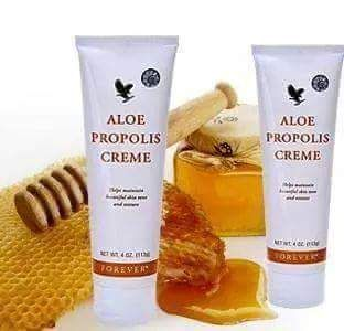 Aloe Propolis Creme - A rich, creamy blend of aloe vera, bee propolis and camomile to help maintain healthy, beautiful skin tone and texture,