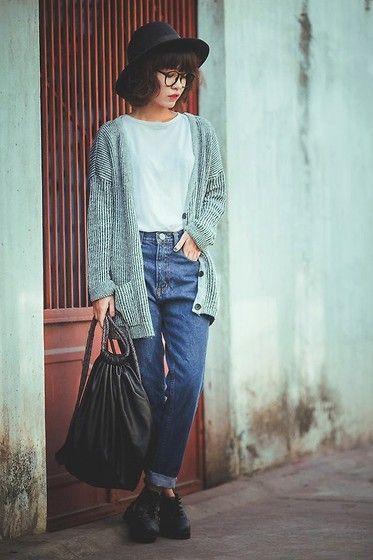 เAsian Street Style 41 20 Asian Street Snaps of The Week blog. Deze foto inspireerde mij voor het gebruik van mode in de posters. De hoed van deze vrouw heb ik terug laten komen in een van mijn posters.