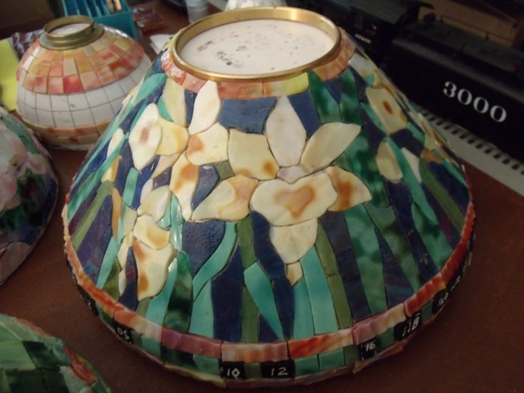 Stained glass lamp shades tiffany lamps glass paint fused glass mosaics screens free pattern baroque crystals
