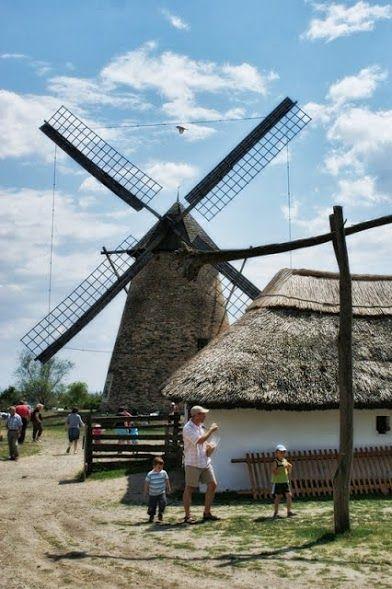 Pünkösdi sokadalom a Szentendrei Skanzenben | Életszépítők