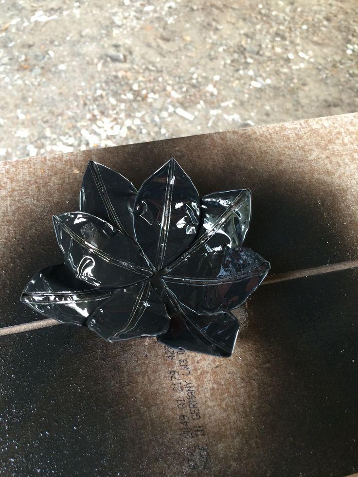 Ljushållare gjord av värmeljus hållare.