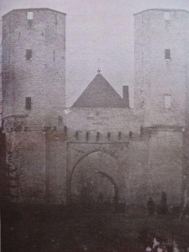 Foto van de Gruitpoort rond 1850 (C. Rensink).