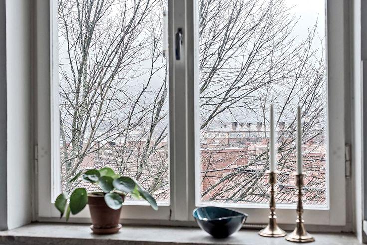 Här bor man i ett fritt läge med utsikt över takåsarna. Kabyssgatan 10 a - Bjurfors