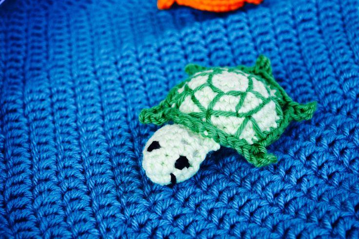 Crochet little turtle- stuffed turtle- nautical- sea creature- toddler toy- amigurumi- baby toy- diaper bag toy- beach theme- sea turtle
