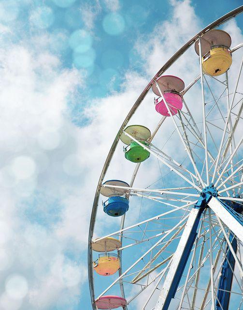 ferris wheel rides... wanna go on the one on the boardwalk in NJ :)