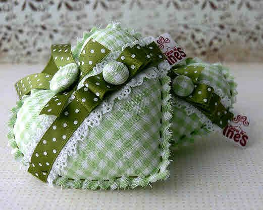 Green gingham hearts:
