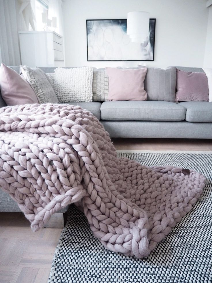best 20 chunky knit blankets ideas on pinterest arm knitting blankets arm knitting tutorial. Black Bedroom Furniture Sets. Home Design Ideas