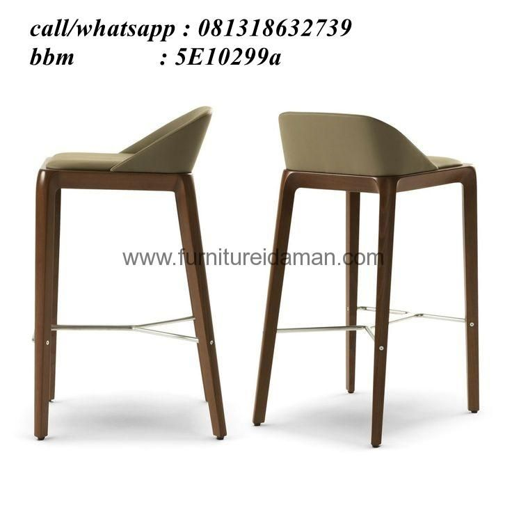 Kursi Cafe Minimais Sandaran Pendek KCI-14-ini meruapakan furniture untuk restoran ataupun cafe yang kami produksi menggunakan bahan baku full kayu jati