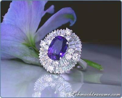 Magnificent: Classic Ceylon Sapphire Ring with Diamonds, 5,42 CT.. wg750 14.800 €
