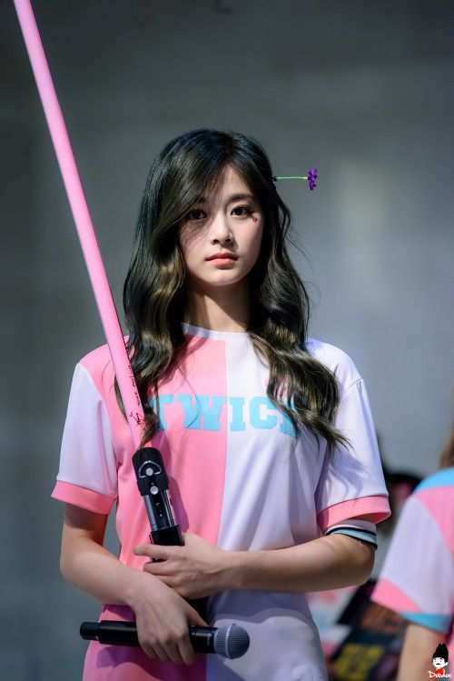 Twice Tzuyu Annyeong This Is Another Precious Maknae That I Love Kpop Pinterest Kpop