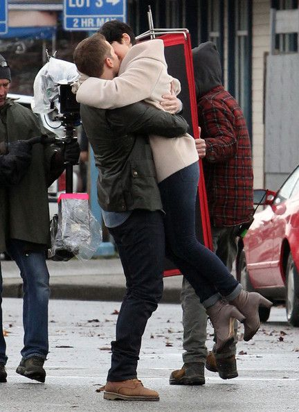 snow and charming dating in real life Carry on, simon it's tough not to  her real life,  because she's utterly daft, cath wastes precious pages of the book thinking that levi is dating reagan,.