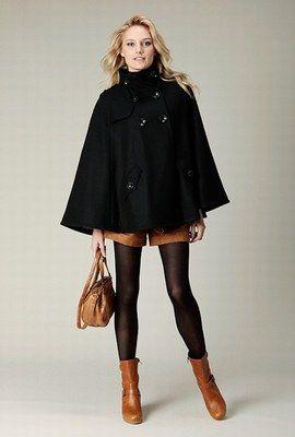 1000 id es sur le th me cape femme sur pinterest capuches manteau cape femme et patronne. Black Bedroom Furniture Sets. Home Design Ideas
