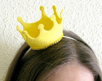 Little tiny felt crown headband - Babies, kids & adults - Birthday, photography props, princess - Cute, sweet and dainty