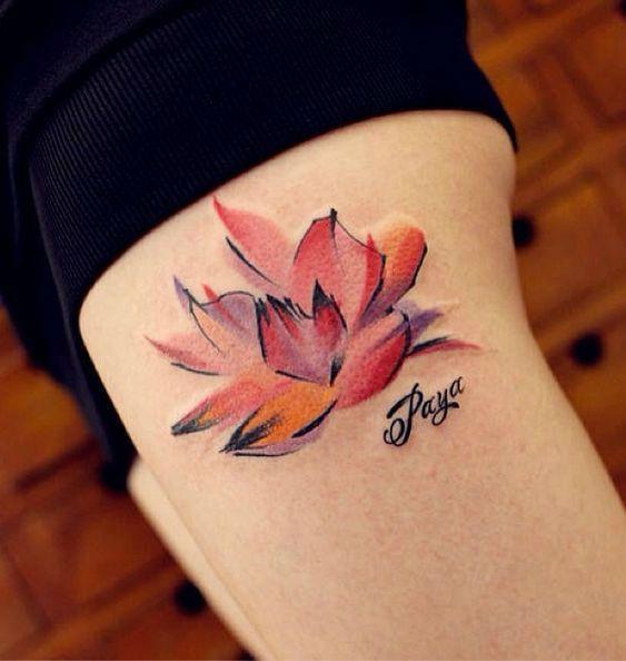 Tatuagem de Flor de Lótus - Aquarela Perna
