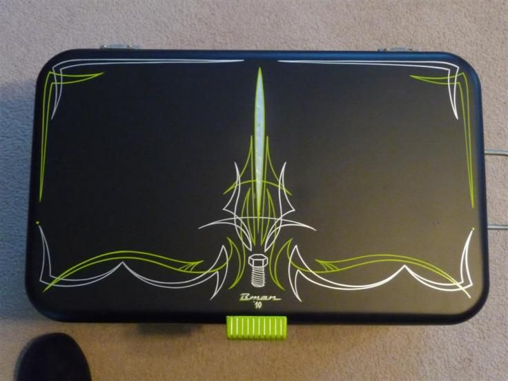 Pin By Robson Ferreira On Pinstriping And Painting Pinstriping Designs Pinstripe Art Pinstriping