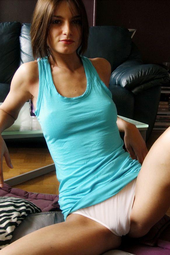 open-legs-cameltoe