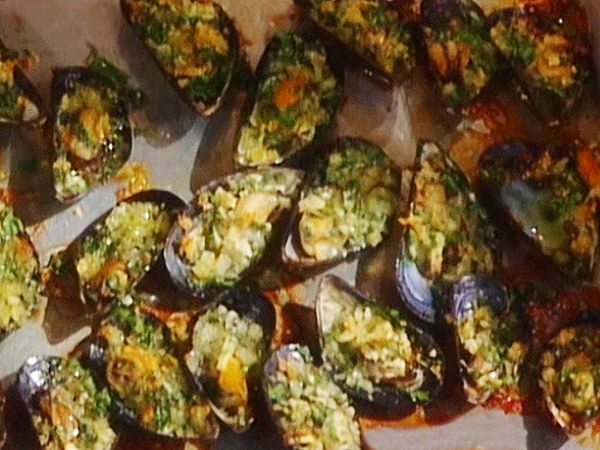 Roasted Breaded Mussels: Cozze al Forno Recipe : Mario Batali : Food Network - FoodNetwork.com