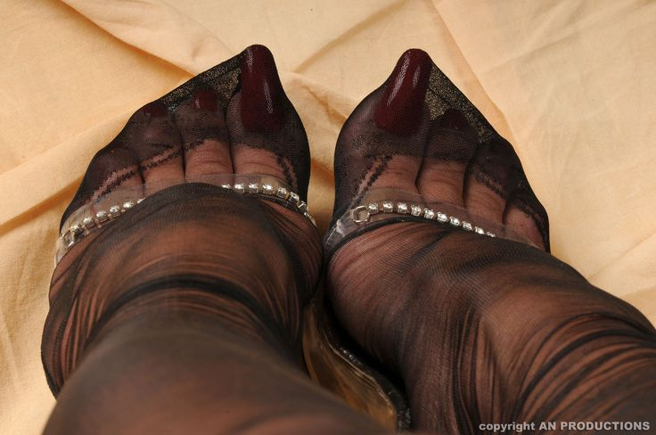 Mature dutch women fully fashioned stockings free porn images