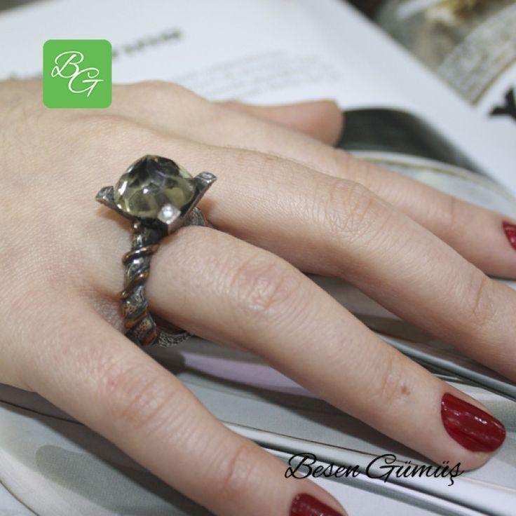 Özel Tasarım Kuvars Taşlı Tek Taş Kadın Yüzük  Fiyat : 149.00 TL  SİPARİŞ için www.besengumus.com www.besensilver.com  İLETİŞİM için Whatsapp : 0 544 641 89 77 Mağaza     : 0 262 331 01 70  Maden         : 925 Ayar Gümüş & Bronz Taş                : Kuvars, Zirkon Kaplama      : Oksit   Besen Gümüş  #besen #gümüş #takı #aksesuar #özeltasarım #kuvars #tektaş #iştebenimstilim #kadınyüzük #izmit #kocaeli #istanbul #izmitçarşı #ankara #tasarım #antalya #izmir #alışveriş #instagram #tbt #türkiye…