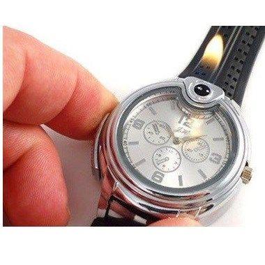 Çakmak olarak da kullanılabilen bu kol saatini erkek arkadaşınız çok beğenecek. Başkasından çakmak isteme devrini sona erdirecek bu ürün verilebilecek en ilginç doğum günü hediyelerinden.