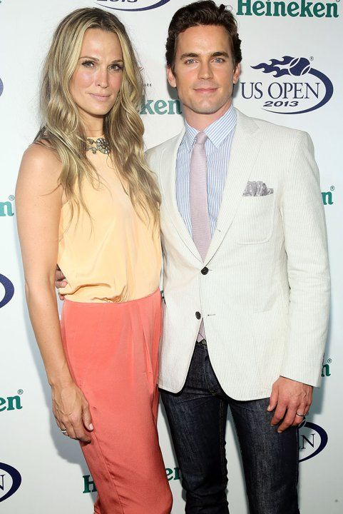Molly Sims and Matt BomerHe looks so good-but so gay.Why is he posing with her?