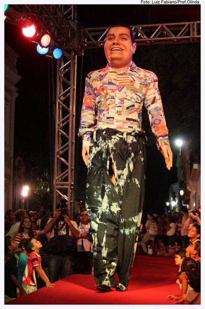 Olinda fashion week desfile de moda dos bonecos gigantes