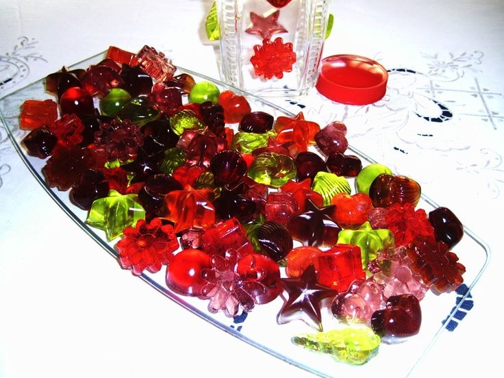Gomas de sabor de frutos e Coca Cola - Gummies of all fruit flavours and Coca Cola