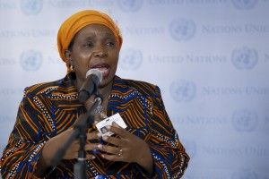 "Outgoing African Union Chair Nkosazana Dlamini Zuma has described the United States ban on refugees and immigrants from seven countries as ""one of the greatest challenges and tests to our unity and solidarity."" Speaking to African leaders on Monday Zuma asked why ""the very country to whom our people were taken as slaves during the Trans-Atlantic [...] The post Trump's Muslim Ban a Test for Unity and Solidarity appeared first on iCrowdNewswi"