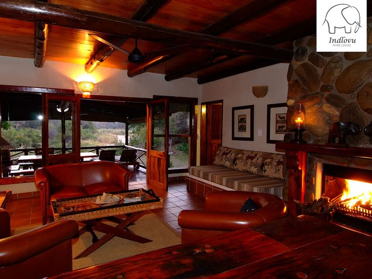 Our Shingwedzi Luxury Villa is perfect for a winter getaway! It sleeps four in two double en-suite rooms. Book here: http://ow.ly/MzH730clAZM