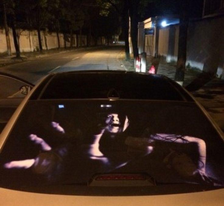 Наклейка на заднее стекло видимая только при освещении.   Изображение становится видно при освещении дальним светом автомобиля едущего сзади. Хороший прикол над любителями поморгать дальним светом. Думаю некоторые изображения реально могут нехило напугать. http://ali.pub/16g9uu  #авто@chinarewiew  Купить сейчас: http://ali.pub/16g9uu