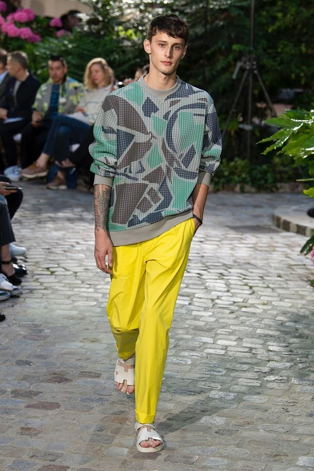 448fd2a39e72 Hermès Spring 2019 Menswear Fashion Show Collection   Men s Fashion ...