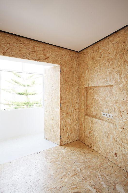 les 77 meilleures images propos de mur maison osb. Black Bedroom Furniture Sets. Home Design Ideas
