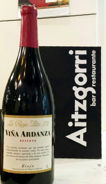 Disfruta tu copa de vino de Viña Ardanza en el Restaurante Aitzgorri a un precio muy especial. #vino #wine #rioja #viña #donostia #sansebastian #bestwines