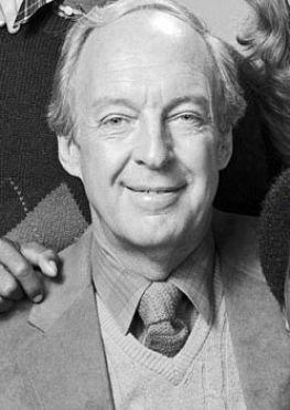 Conrad Bain (Diff'rent Strokes dad) dead at 89.
