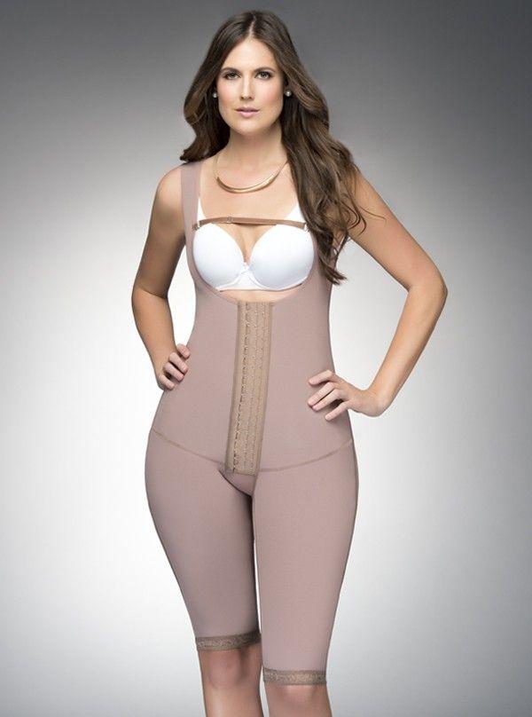 Posee realce de glúteos y una compresión abdominal que te hará un vientre liso y perfecto.