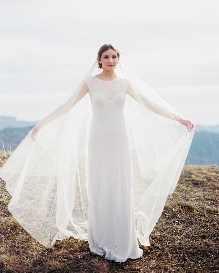 Свадебные и вечерние украшения, сделанные вручную с любовью и вниманием к деталям🌿 💬whatsapp +393661595498