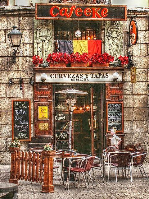 Calle Cava de San Miguel. Madrid, Spain