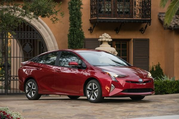 The 2017 Toyota Prius hybrid hatchback is on the way to Toyota dealerships with… earnhardttoyota.com